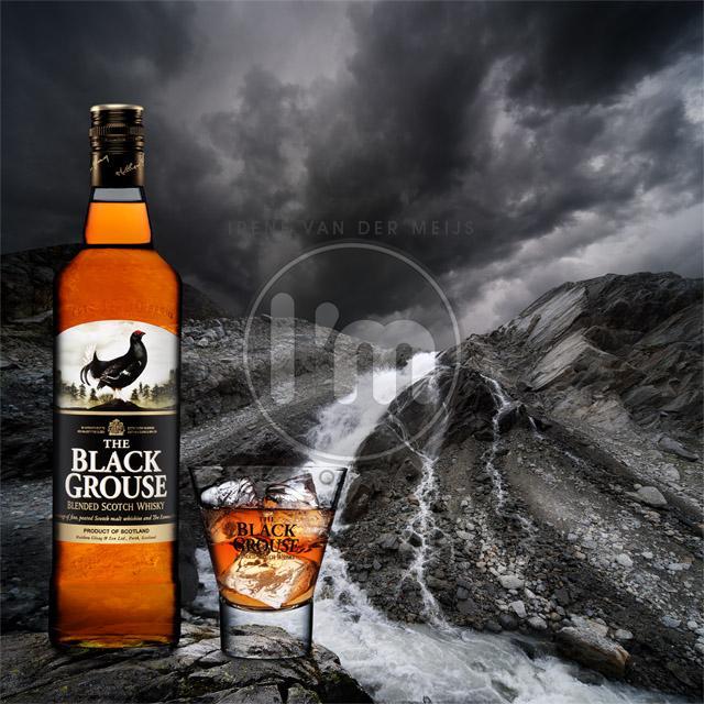 reclamefotograaf, whisky, waterval, rotsen, bergen, whiskyglas, whiskyfles, reclamefotografie, productfotografie, productfotograaf